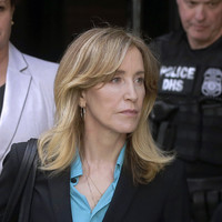 Desperate Housewives actress Felicity Huffman to plead guilty in college admissions scandal