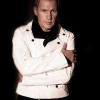 5 ways… Johnny Logan makes the internet better
