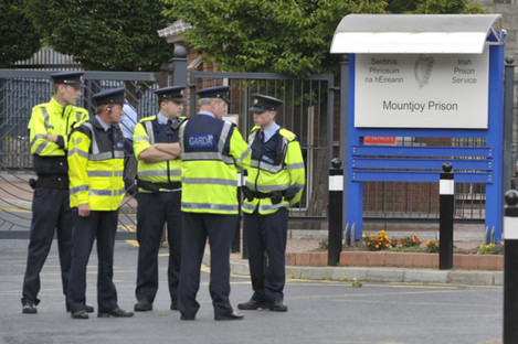 File photo of gardaí outside Mountjoy Prison, where the Dóchas Centre is located