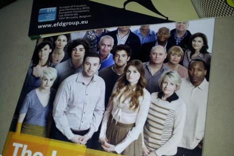The UKIP leaflet (top) alongside the Referendum Commission leaflet