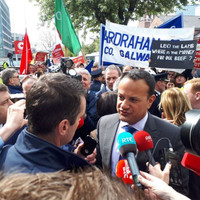 'Where's the beef ya vegan?' Taoiseach met with protests from farmers in Cork city