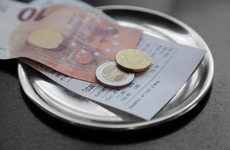 Restaurant tipping: Minister wants 'collective agreement' and not new laws