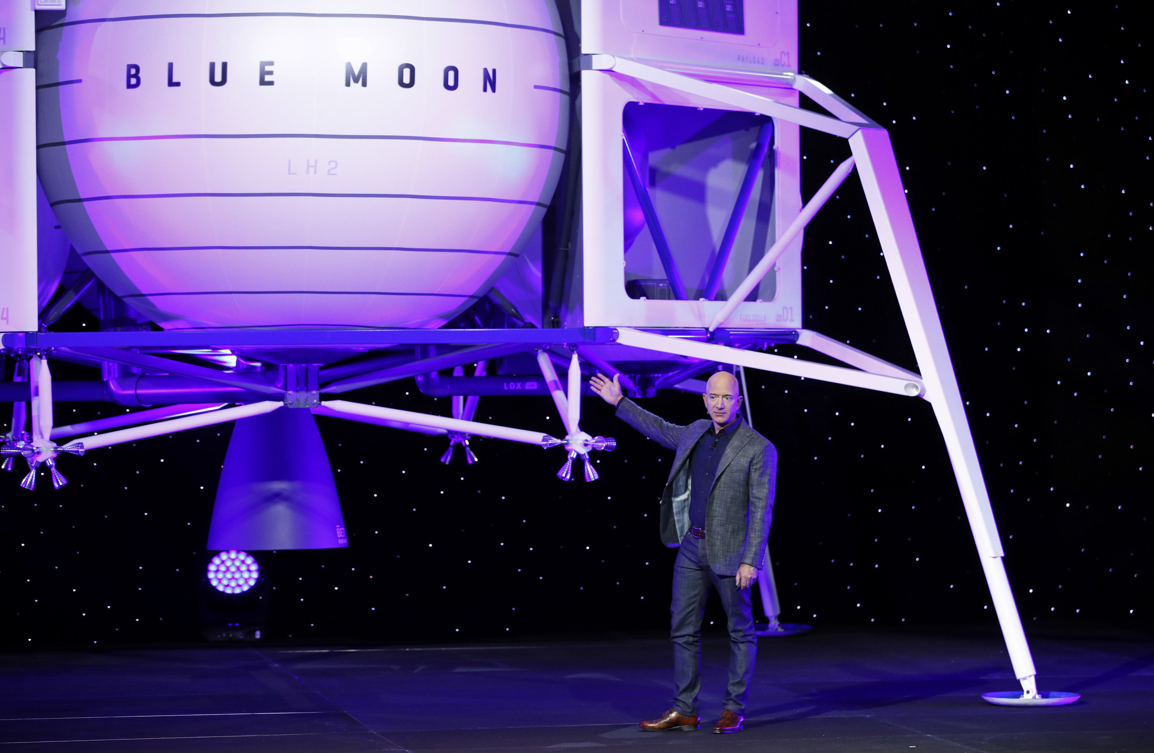 Jeff Bezos unveils giant lunar lander, will go to the moon