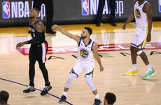 Steph hits hot streak to get upper hand on brother and Blazers in finals opener