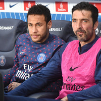 Veteran Buffon set for 25th season as PSG offer him contract extension