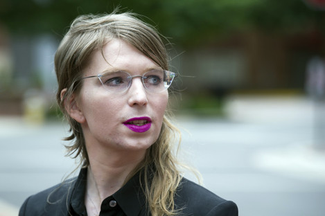 Former army intelligence analyst Chelsea Manning with reporters before her court appearance today