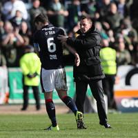 Former Ireland international Darren O'Dea sent off 19 minutes into final professional appearance
