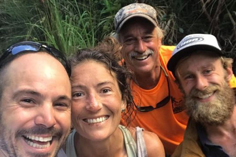 Amanda Eller with the search team who found her.