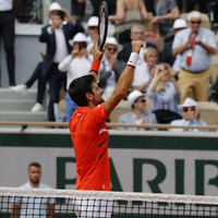 Serena survives scare in Paris opener as Djokovic lays down early French Open marker