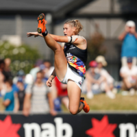 Iconic photo of AFLW star Tayla Harris in full flight wins top Women in Sport prize