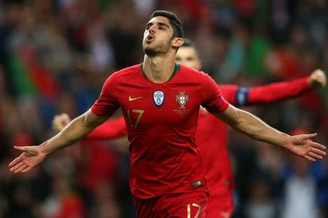 Goncalo Guedes celebrates his winner.