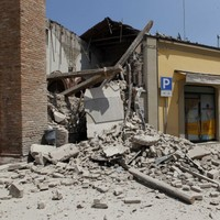 15 killed, buildings destroyed after Italian earthquake (Pics)