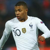 Deschamps defends Mbappe after intense criticism