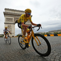 Froome in intensive care after crashing at 54kmph while attempting to blow his nose