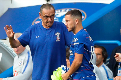 Maurizio Sarri pictured above with Eden Hazard.