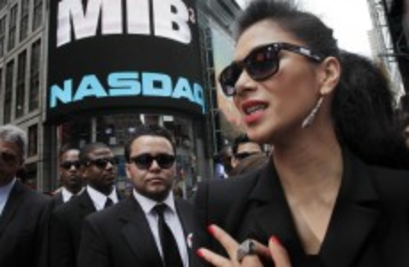 China Versus Men In Black Censors Chop 13 Minutes From Movie