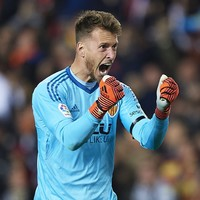 Barcelona sign Brazilian goalkeeper in €26 million agreement with Valencia