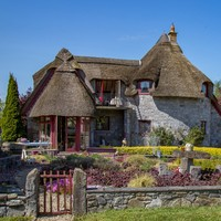 Fairytale living with mountain views in this picture-perfect €395k cottage
