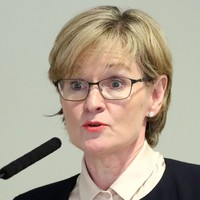 Mairead McGuinness re-elected First Vice-President of the European Parliament