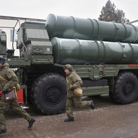 Turkey receives first batch of Russian missile defence system angering US