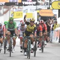 Groenewegen edges Ewan in photo-finish as Ciccone retains Tour de France lead