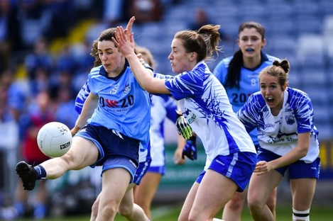 Lyndsey Davey in action against Karen McGrath.
