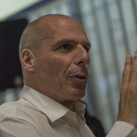 Former Greek finance minister Varoufakis in fracas with French police officer at Paris airport