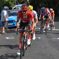 Nico Roche hangs on for sixth in blistering Tour de France stage