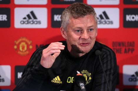 The United manager speaking to media in Perth.