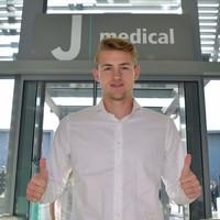 Ajax captain De Ligt arrives in Turin to complete €75m Juve move