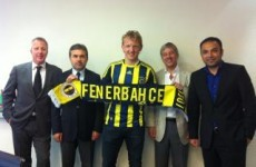 Kuyt bids farewell to Liverpool for Fenerbahce move