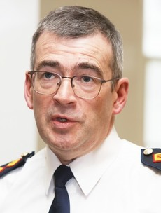 Garda Commissioner Drew Harris assists in arrest of woman for suspected drink driving