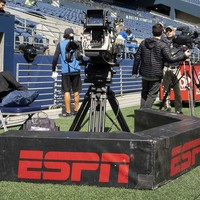 How ESPN deal with Donald Trump and the rest of the week's best sportswriting