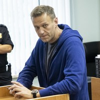 Putin-critic Alexei Navalny sent back to prison after suspicious 'allergic reaction'