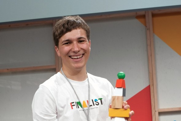 Irish teenager wins global science award for removing microplastics from water