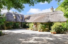 4 of a kind: Picture-perfect thatched cottages in the countryside