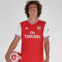 Arsenal confirm signing of Chelsea's David Luiz