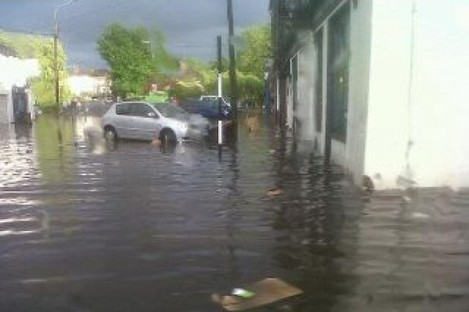 """""""Midleton is flooded again"""" - an image from Ana Torquemada on Twitter"""