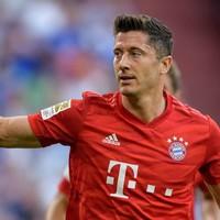 Lewandowski scores hat-trick against Schalke as Bayern Munich bounce back