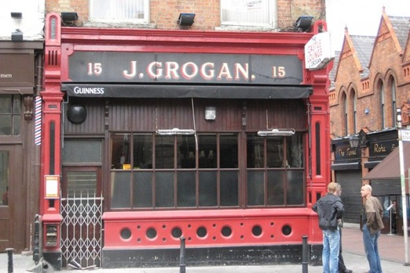 Take a walking tour around Dublin with these 10 landmarks from Irish novels
