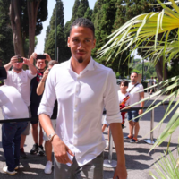 Man United defender Smalling completes Roma loan move