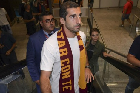 Henrikh Mkhitaryan at Rome airport.