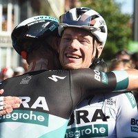 Sam Bennett narrowly misses out on third Vuelta stage victory