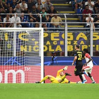 Stoppage-time goal sees Inter avoid shock Champions League loss
