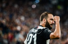 Higuain winner beats Inter to put Juventus top