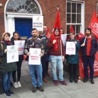 'They need to step up': Teachers at Dublin English language school strike for union recognition