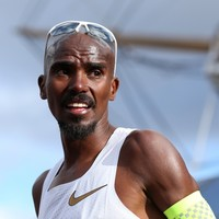 Angry Farah hits back at critics in Salazar doping row