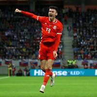 Former lifeguard keeps Wales' Euro hopes afloat