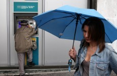 Fears grow as Greeks flee banks