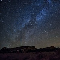 Hundreds of shooting stars set to light up Irish skies tonight due to Halley's Comet debris